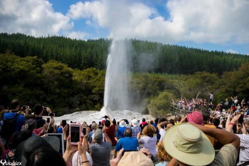 Wai-o-tapu - geyser