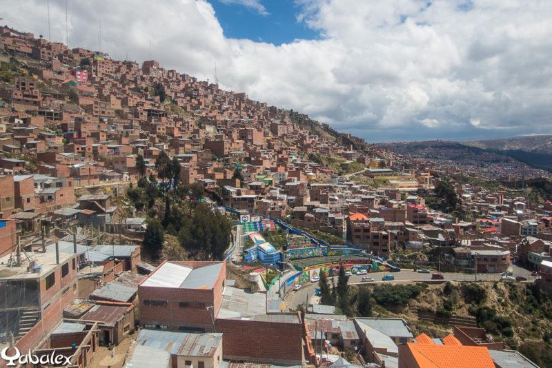 Les habitations enchevêtrées dans les pentes de La Paz